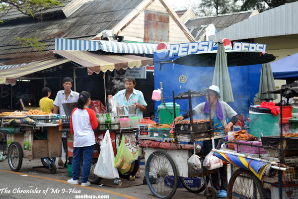 Food vendors all around