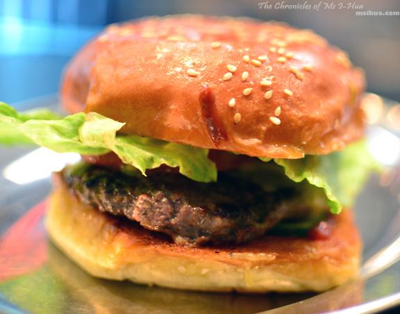 huxtaburger_theHuxtaburger