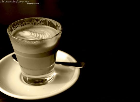 littleChloe_latte