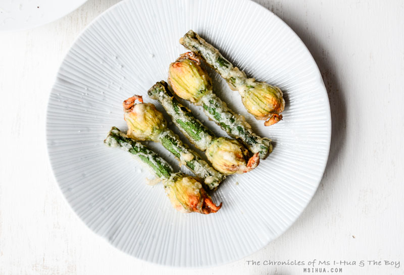 Stuffed zucchini flowers recipe ms i hua the boy so what has your other half done for you lately that is outside of conventional treatments are they the romantic kind that showers you with gifts and forumfinder Image collections