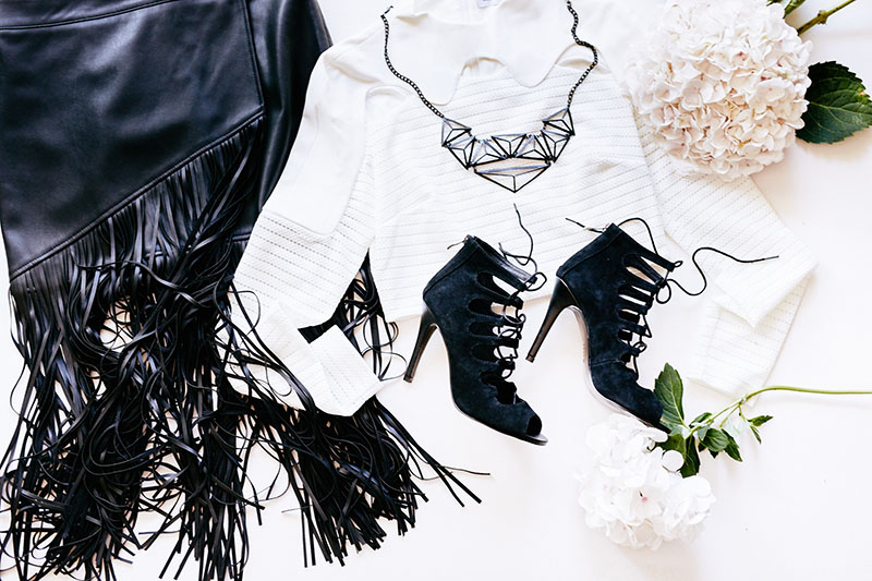 Hazzie - Black and White Flatlay - 34555_resized